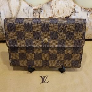 Authentic Louis Vuitton damier wallet